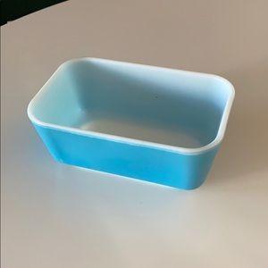 """Vintage Pyrex 6.5"""" x 4"""" baking dish"""